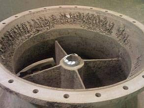 Suction bell damaged by erosion